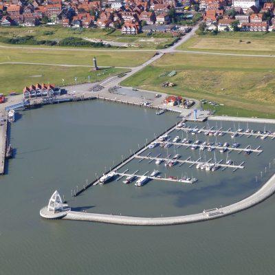 Luftbild - Juister Inselhafen und Sportboothafen