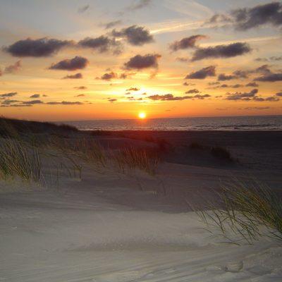 Sonnenuntergang am Loog-Strand