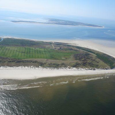 Luftbild - Westspitze der Insel Juist mit Vogelinsel Memmert